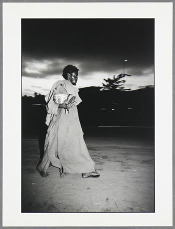 Dorris Haron Kasco - Sans titre (Homme avec Bol, 1990)